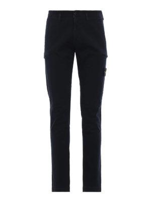 STONE ISLAND: pantaloni casual - Pantaloni cargo in cotone tinti in capo