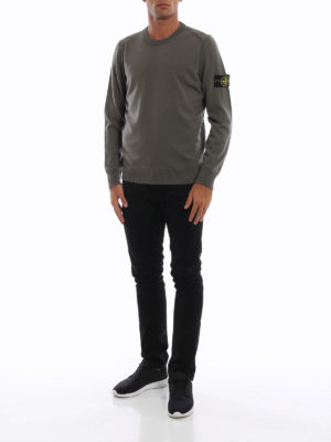 STONE ISLAND: maglia collo rotondo online - Girocollo in lana pettinata verde militare