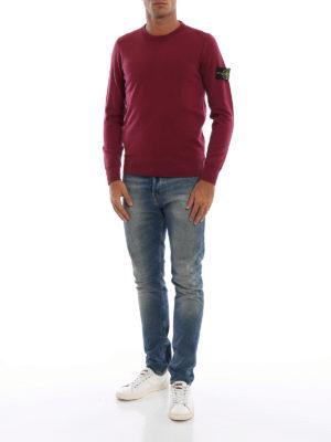 STONE ISLAND: maglia collo rotondo online - Girocollo in lana color vinaccia