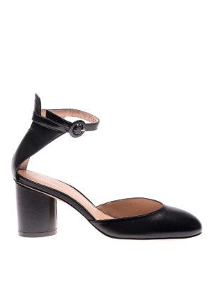 Stuart Weitzman: court shoes - Kara black leather pumps