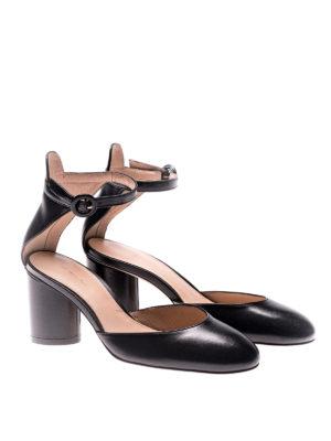 Stuart Weitzman: court shoes online - Kara black leather pumps