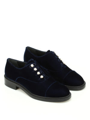 Stuart Weitzman: Loafers & Slippers online - Mrspats velvet Oxford with pearls