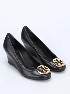 Tory Burch: court shoes online - Sally wedge pumps