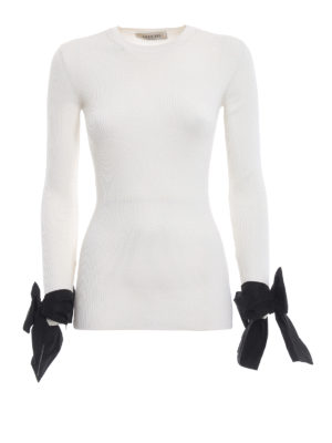 VALENTINO: maglia collo rotondo - Pull bianco a costine con fiocchi ai polsi