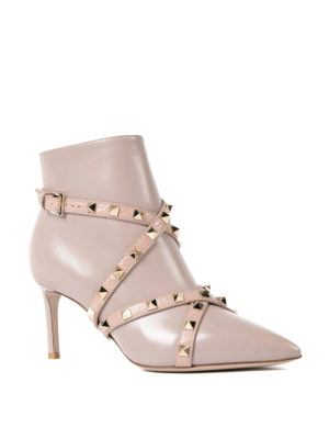 Valentino Garavani: ankle boots online - Rockstud pointy leather booties