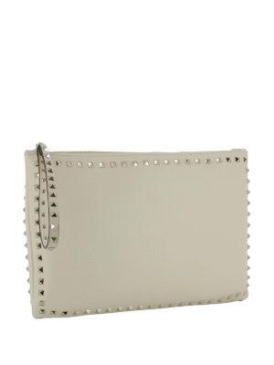 Valentino Garavani: clutches online - Rockstud leather clutch