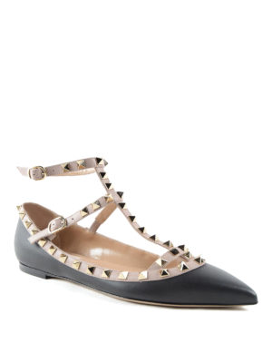 Valentino Garavani: flat shoes online - Rockstud leather flats