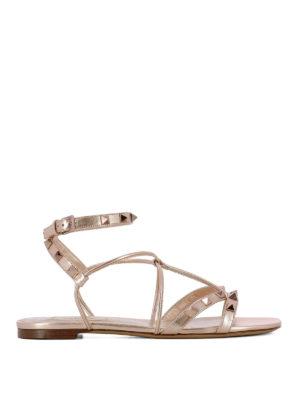 VALENTINO GARAVANI: sandali - Sandali in pelle laminata e borchie