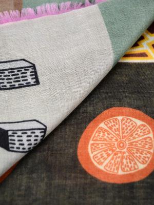 Valentino Garavani: Stoles & Shawls online - Cashmere and silk lightweight shawl
