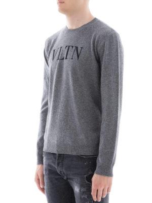 VALENTINO: maglia collo rotondo online - Pull in lana e cashmere con intarsio VLTN