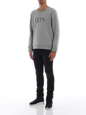 VALENTINO: Felpe e maglie online - Felpa in jersey melange con stampa VLTN
