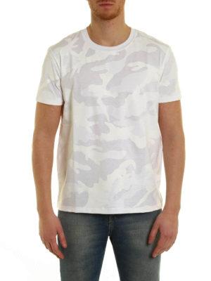 Valentino: t-shirts online - Camouflage print T-shirt