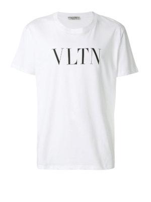 VALENTINO: t-shirt - T-shirt in cotone bianco con stampa VLTN
