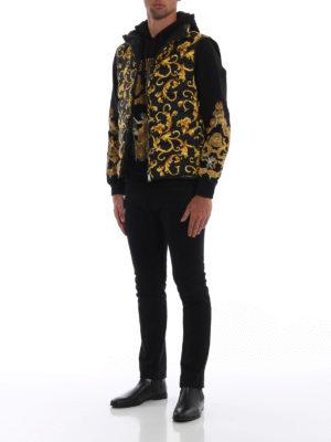 VERSACE: giacche imbottite online - Gilet imbottito reversibile Acid Baroque