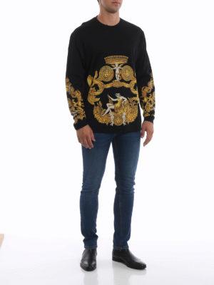 VERSACE: t-shirt online - T-shirt nera e oro Barocca a manica lunga