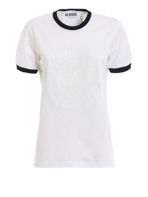 7a1d3b75c7 Versus Versace: t-shirt - T-shirt bianca con Testa di Leone gommata