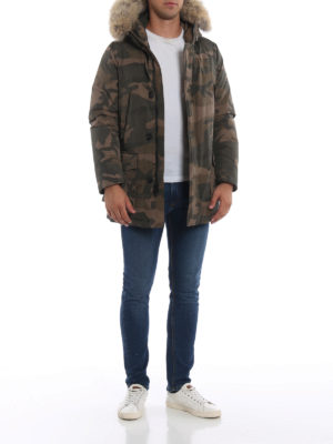WOOLRICH: cappotti imbottiti online - Parka Artic imbottito in camouflage verde
