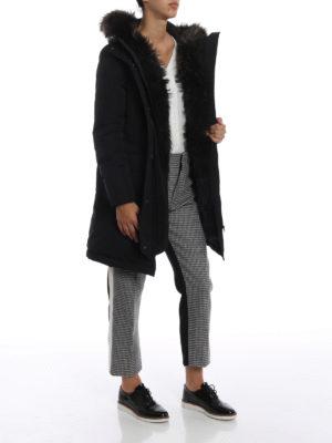 WOOLRICH: cappotti imbottiti online - Military Parka nero con pelliccia