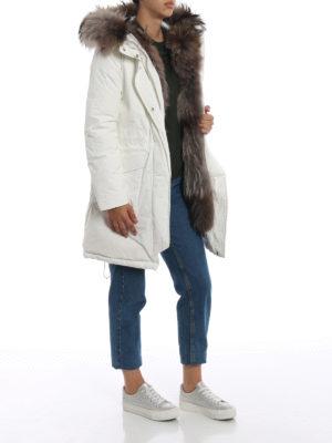 WOOLRICH: cappotti imbottiti online - Military Parka bianco con pelliccia