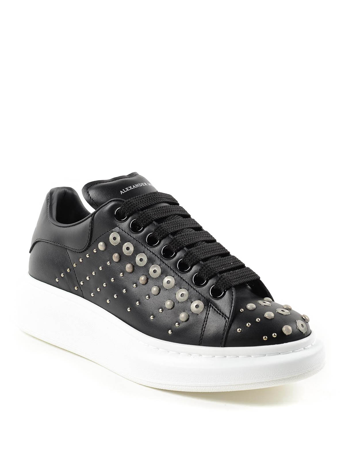 quality design b1115 4d785 alexander-mcqueen-online-trainers-stud-detailed-leather-sneakers-00000081328f00s002.jpg