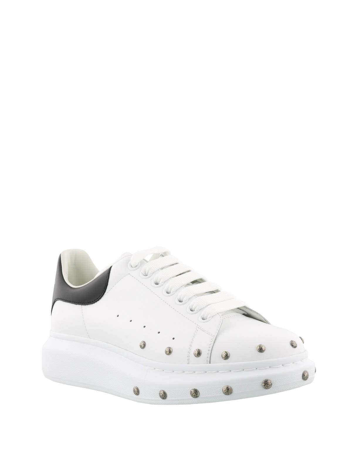 Alexander Mcqueen - Sneaker stringate con borchie - sneakers ...