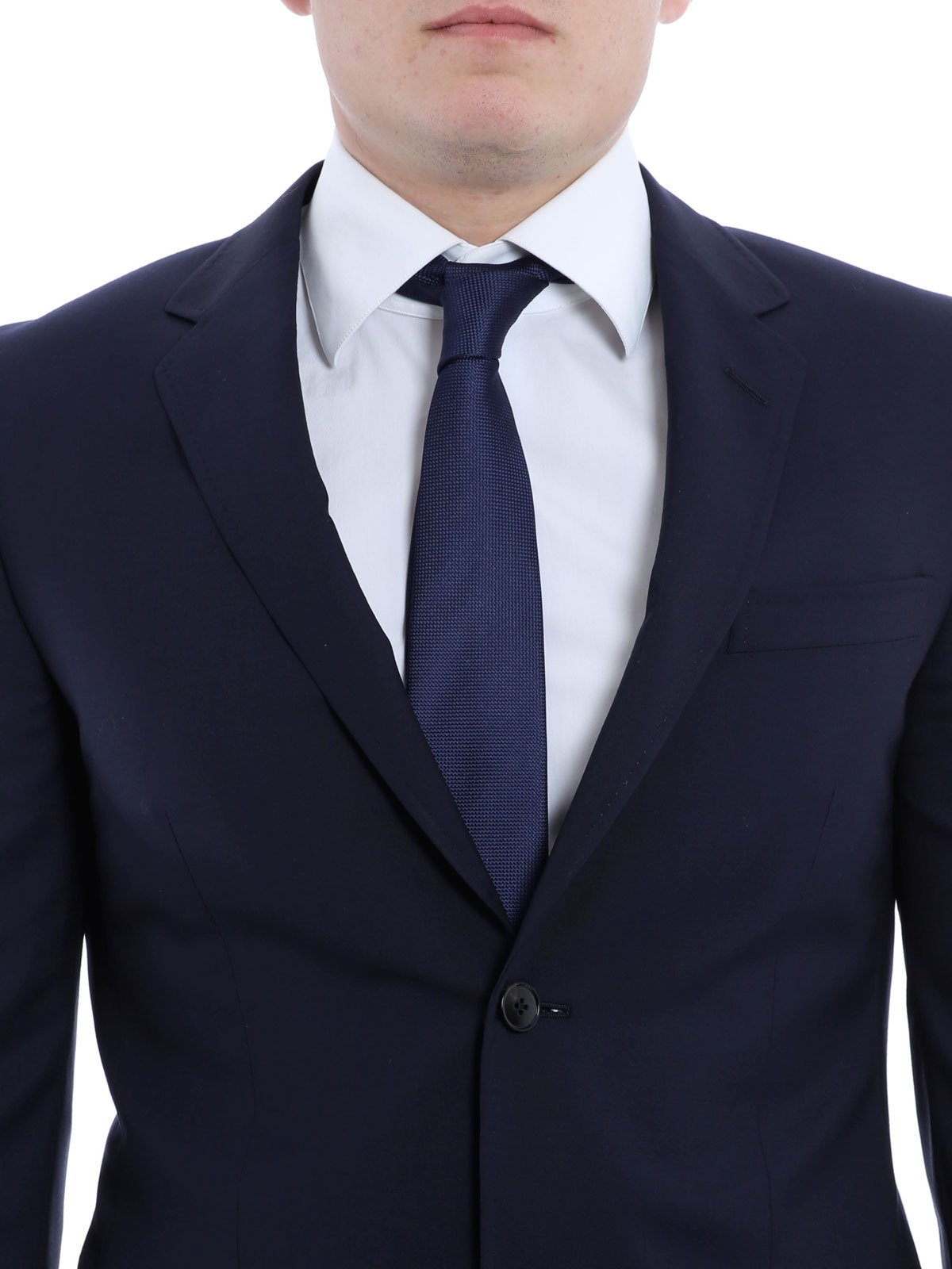 how to buy a tailored suit