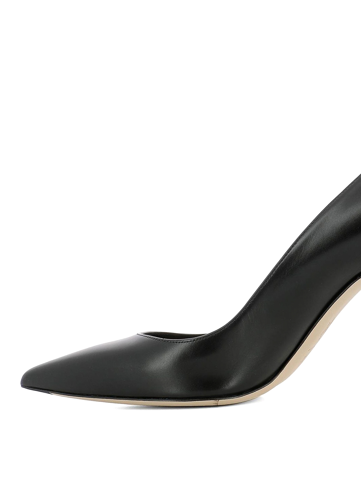 78758dc108d7 iKRIX-alexander-mcqueen-court-shoes -curved-heel-leather-pumps-00000126796f00s013.jpg