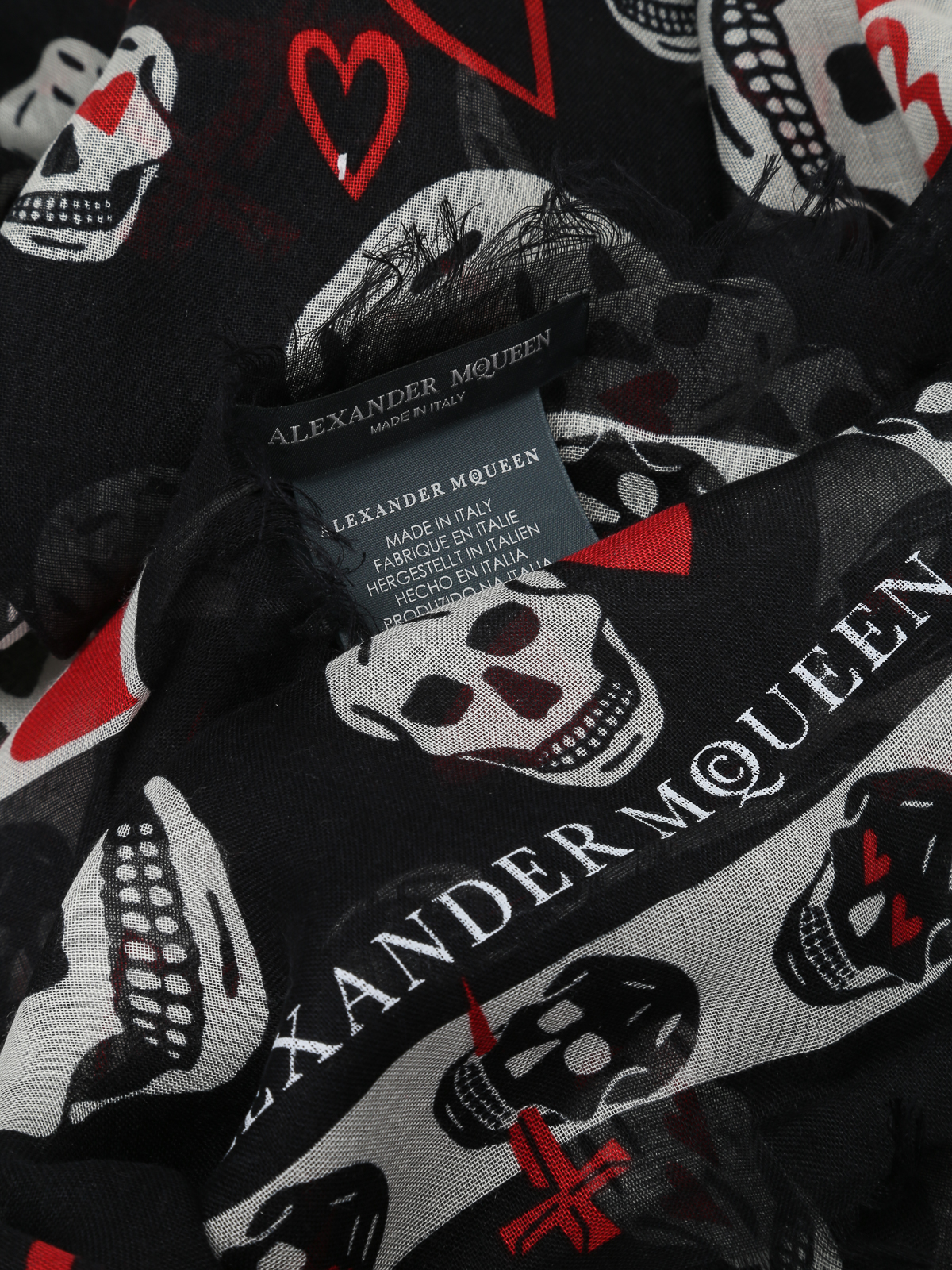 db36aad8ccf iKRIX ALEXANDER MCQUEEN  scarves - Skull and hearts print foulard