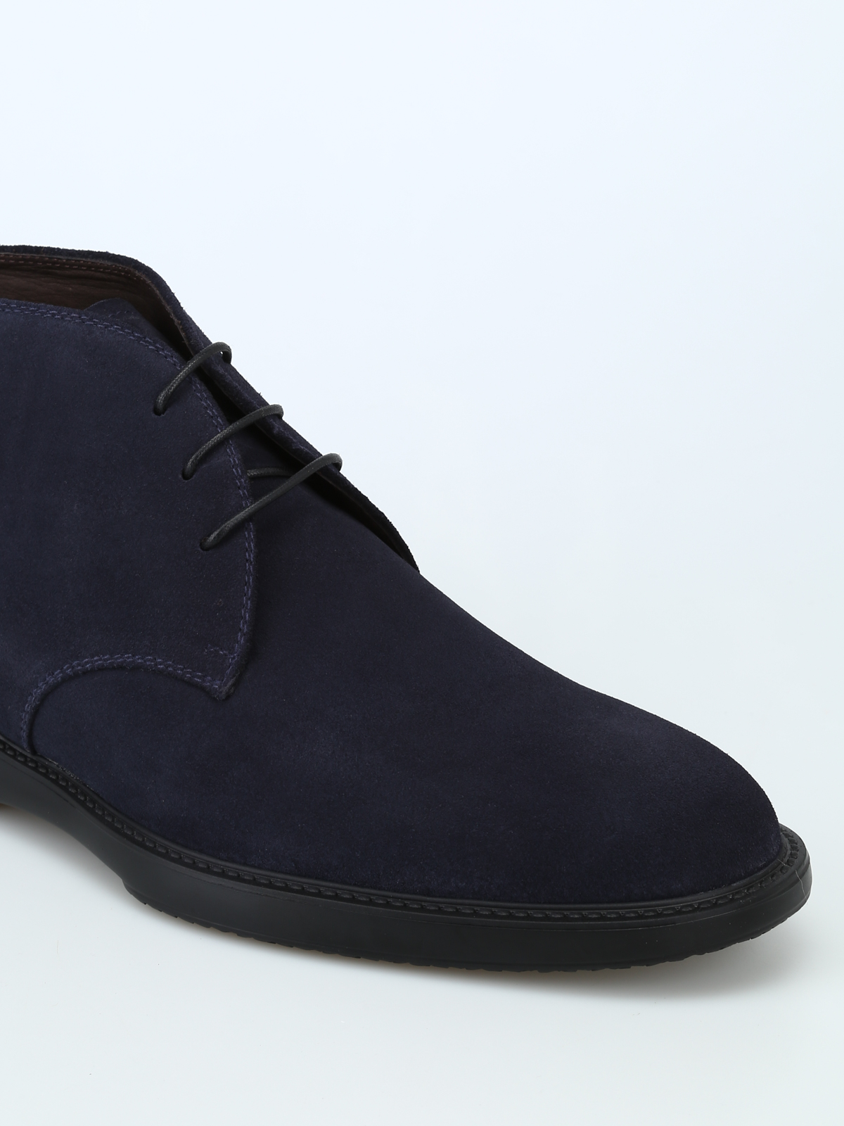 Barrett - Blue suede desert boots with