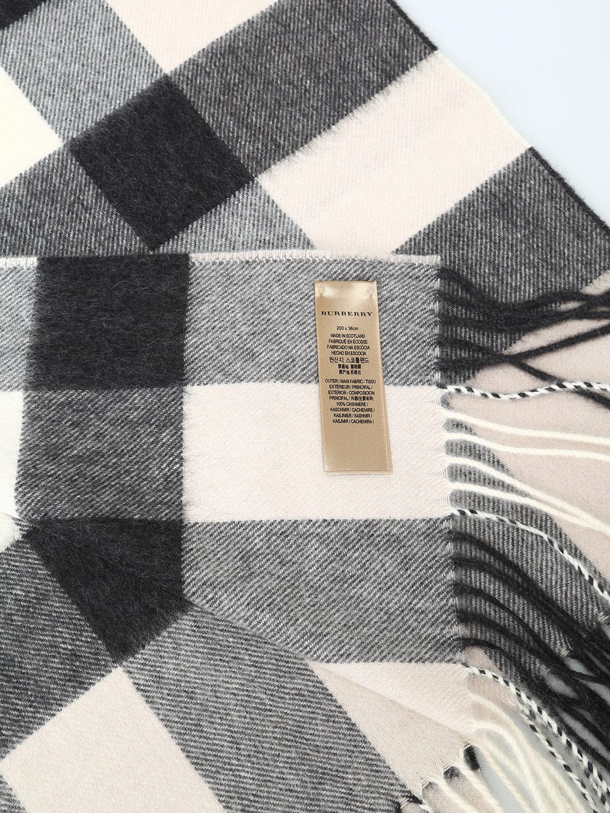iKRIX BURBERRY  sciarpe e foulard - Sciarpa in cashmere a quadri bianchi e  neri 30854fbe903c