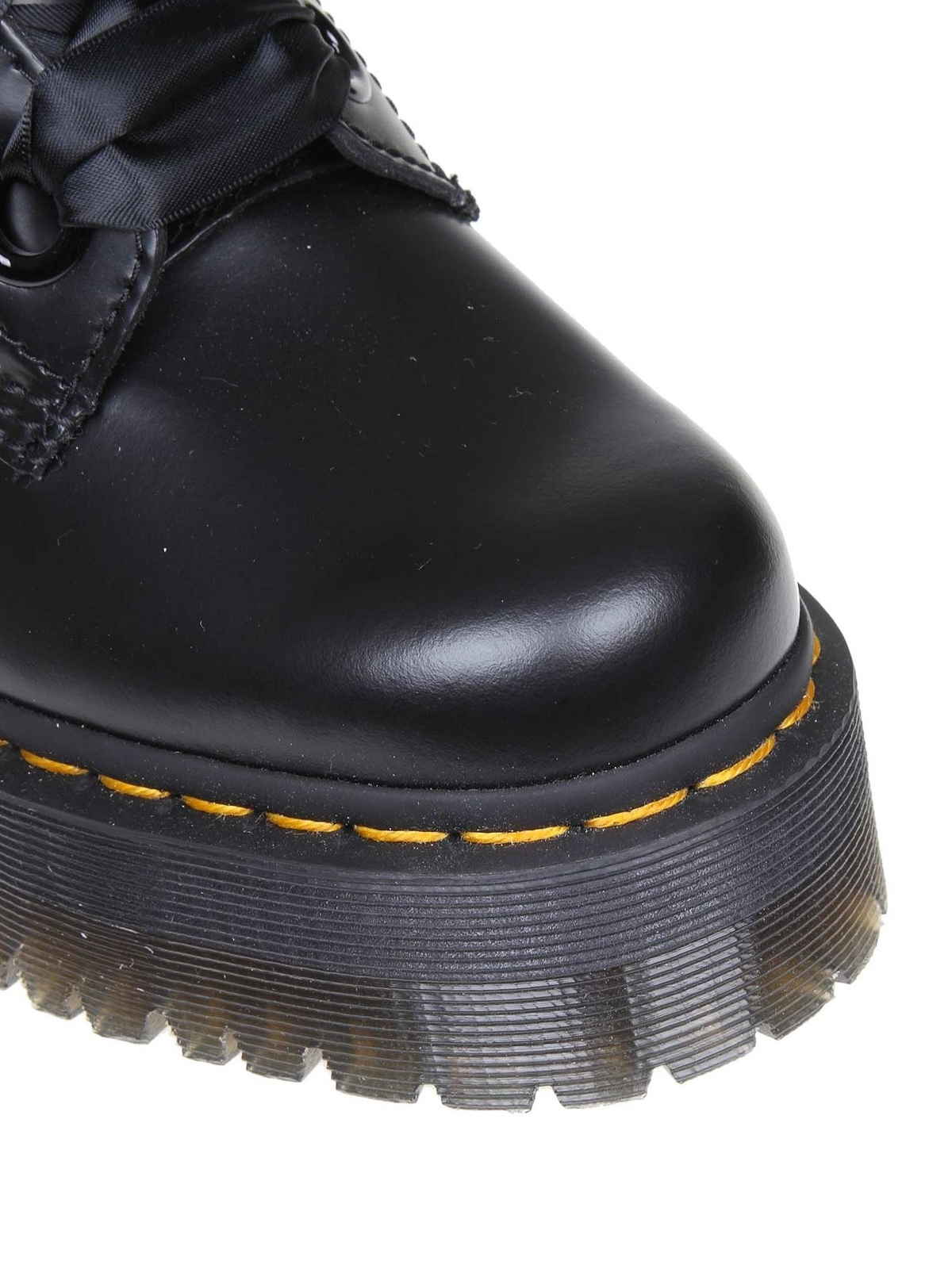 Dr. Martens - Molly leather booties