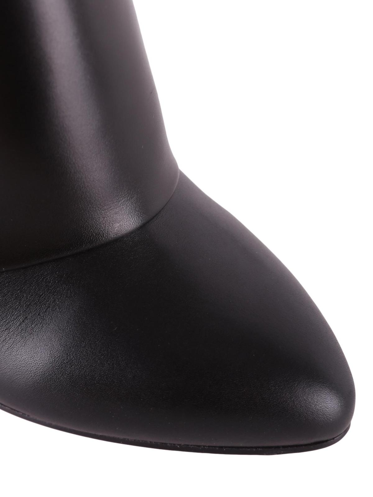 Givenchy Stivaletti Shark Lock in pelle tronchetti