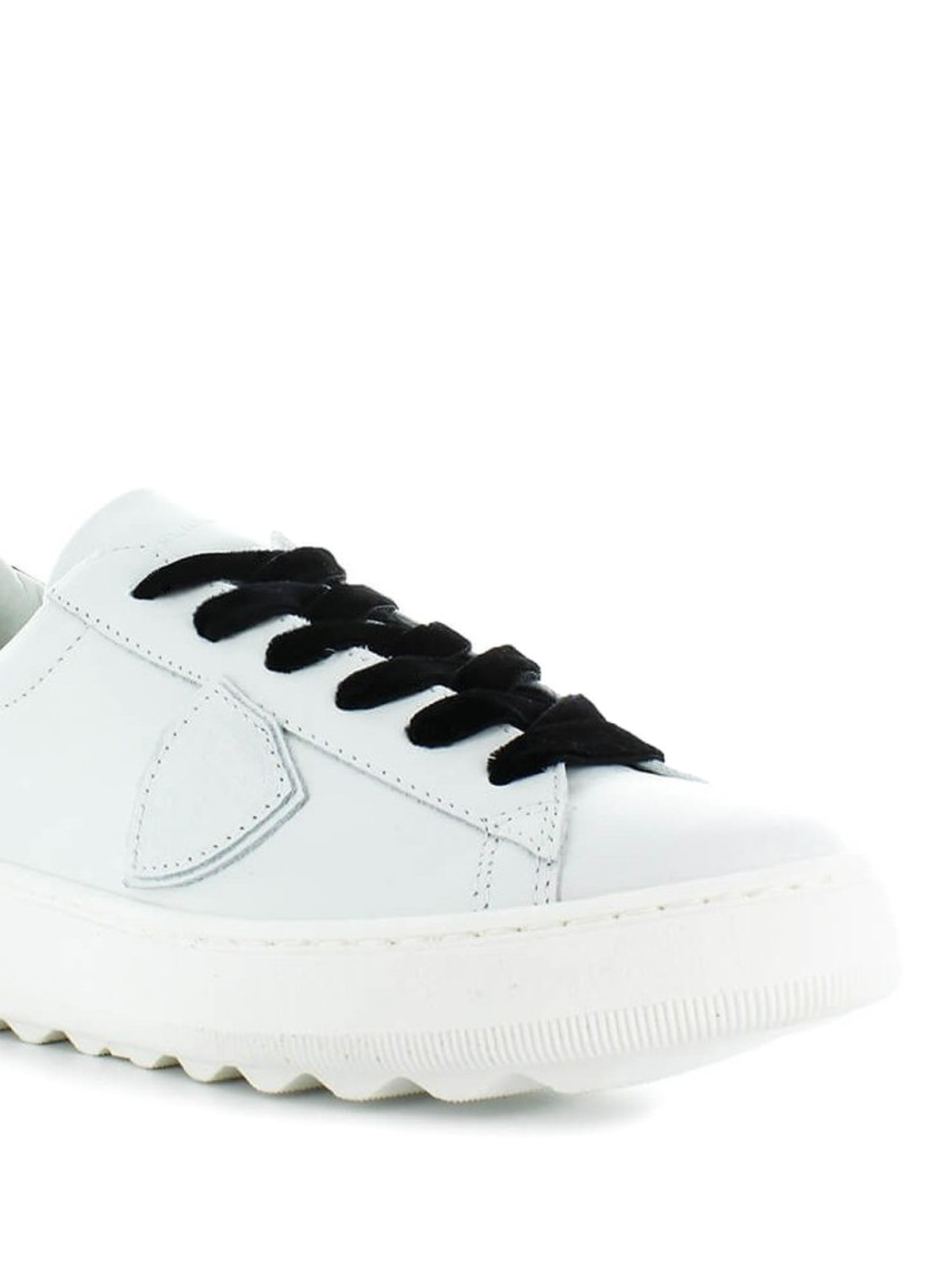 Madeleine black laces sneakers
