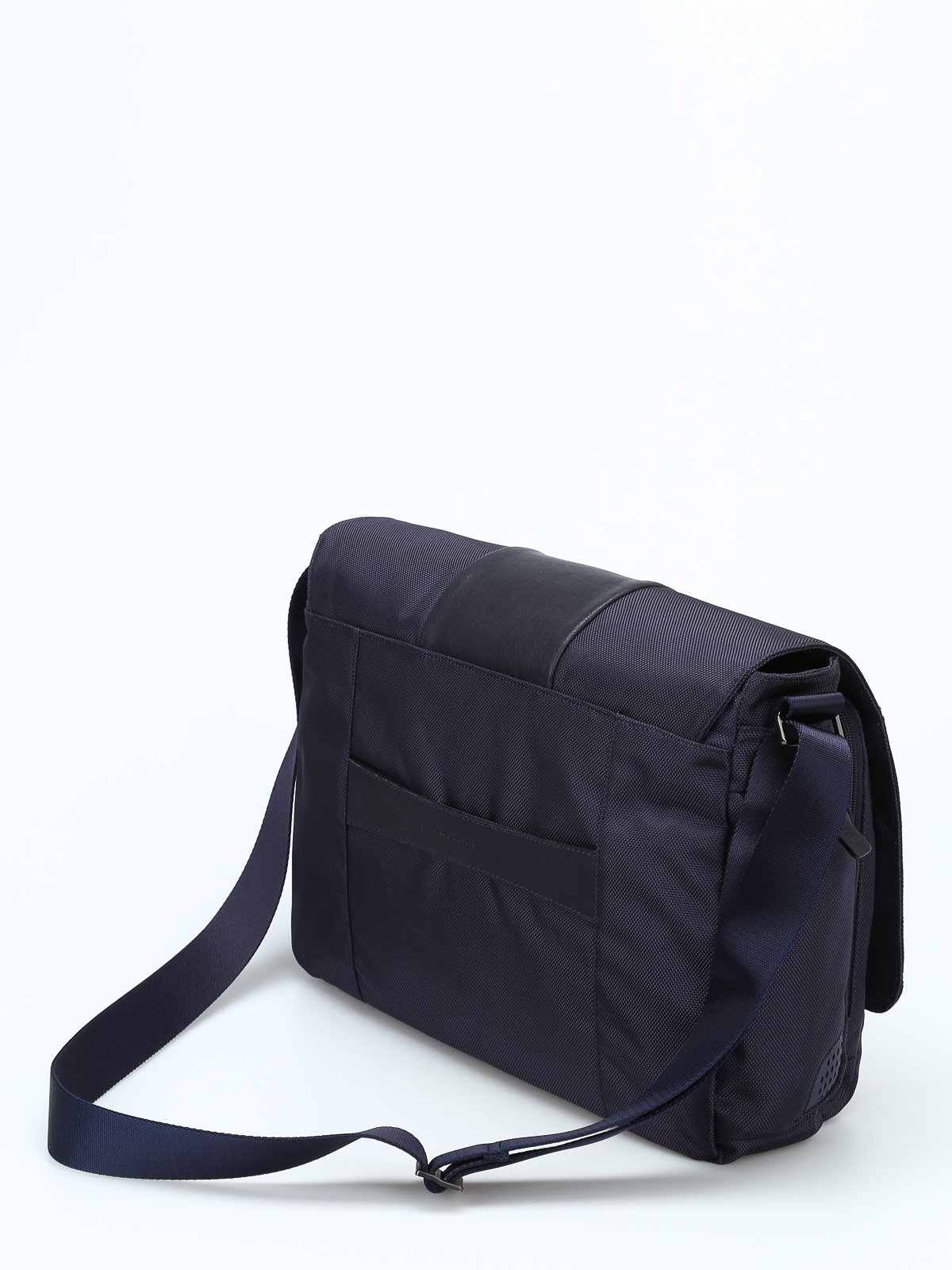 b667dc98e8c iKRIX PIQUADRO  shoulder bags - Leather and techno fabric messenger