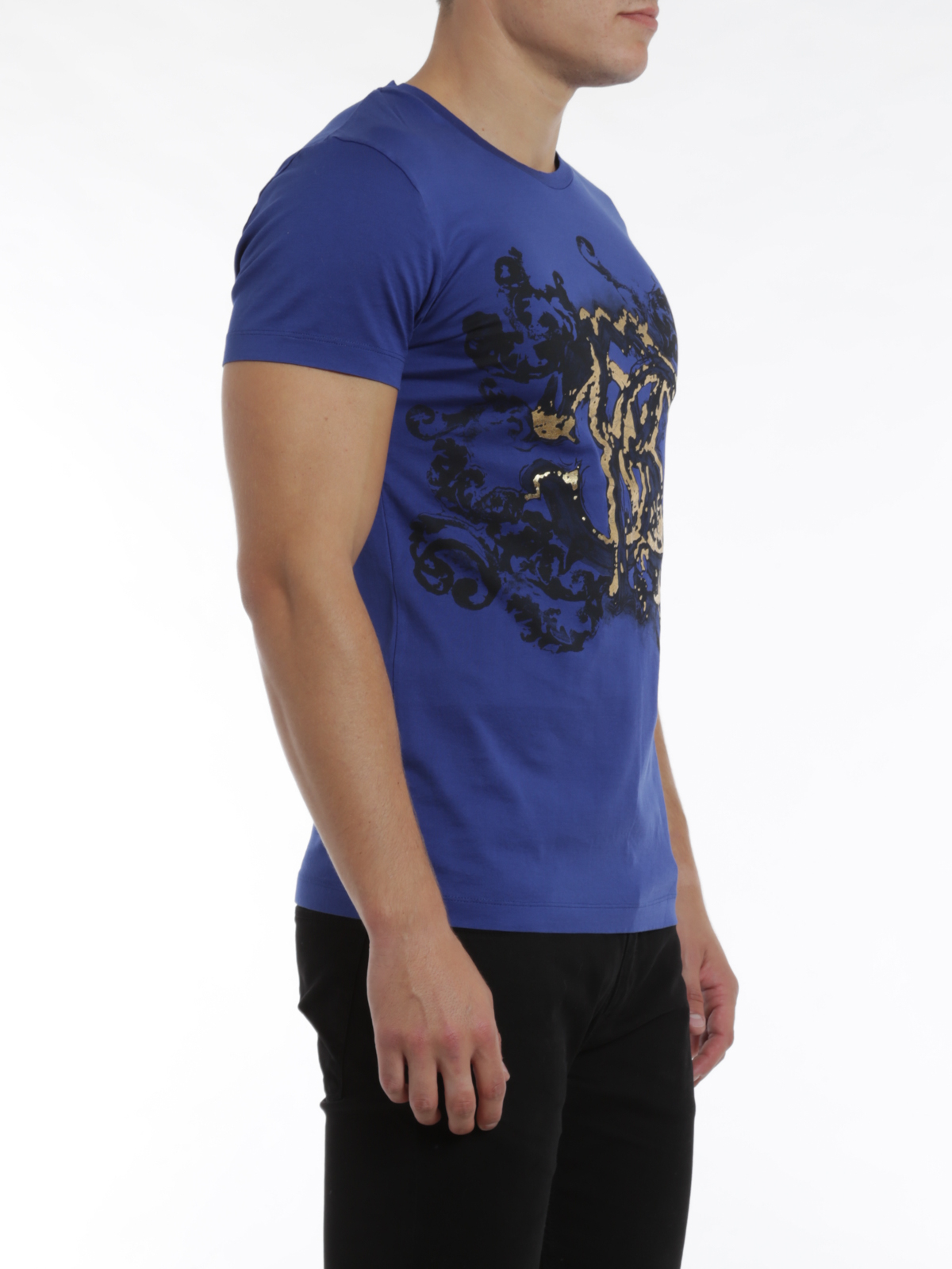Logo print t shirt by roberto cavalli t shirts ikrix for Logo printed t shirts
