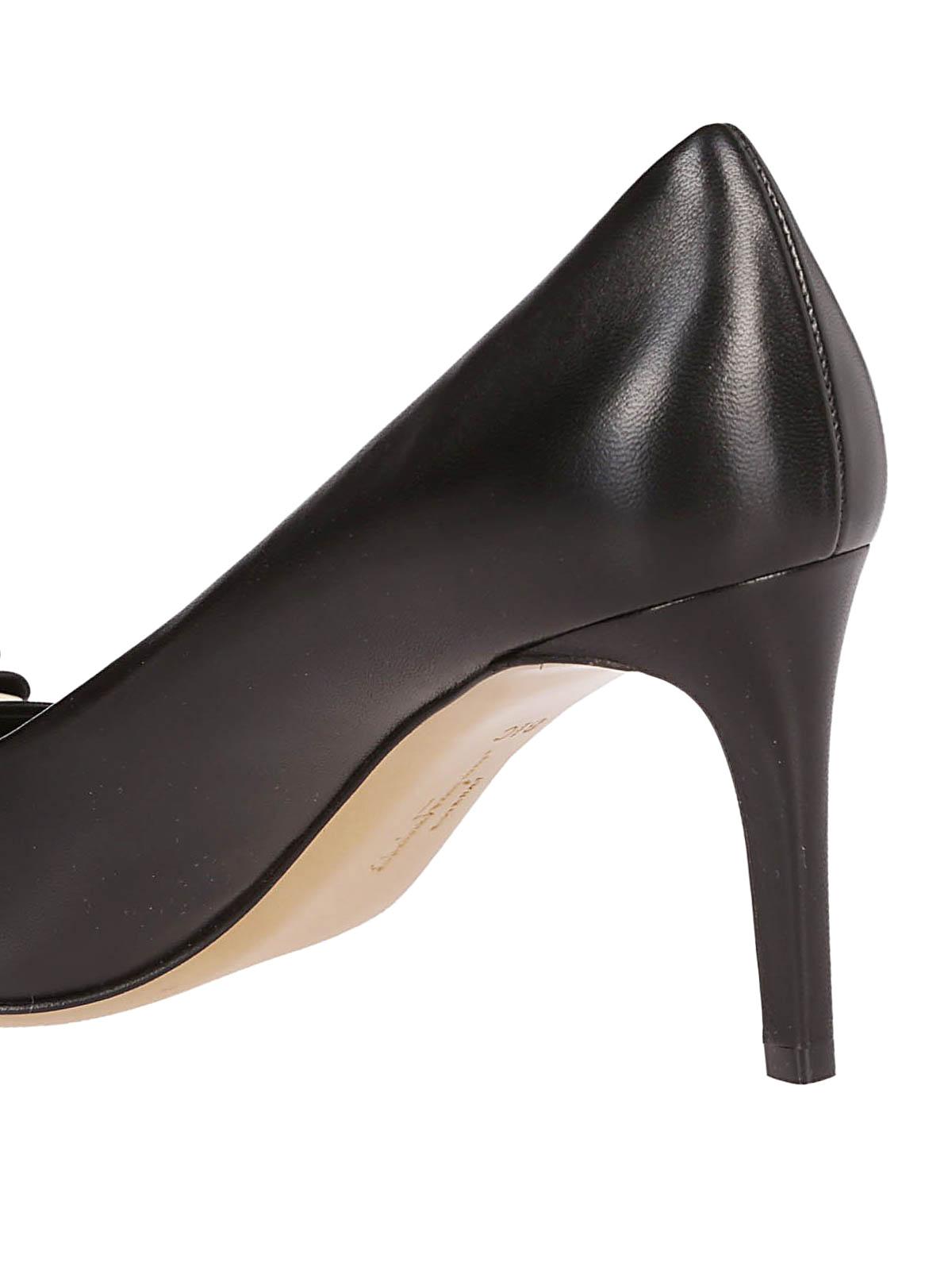 6cd96e831c2da iKRIX-salvatore-ferragamo-court-shoes-zeri-black-leather-pumps-00000148679f00s003.jpg
