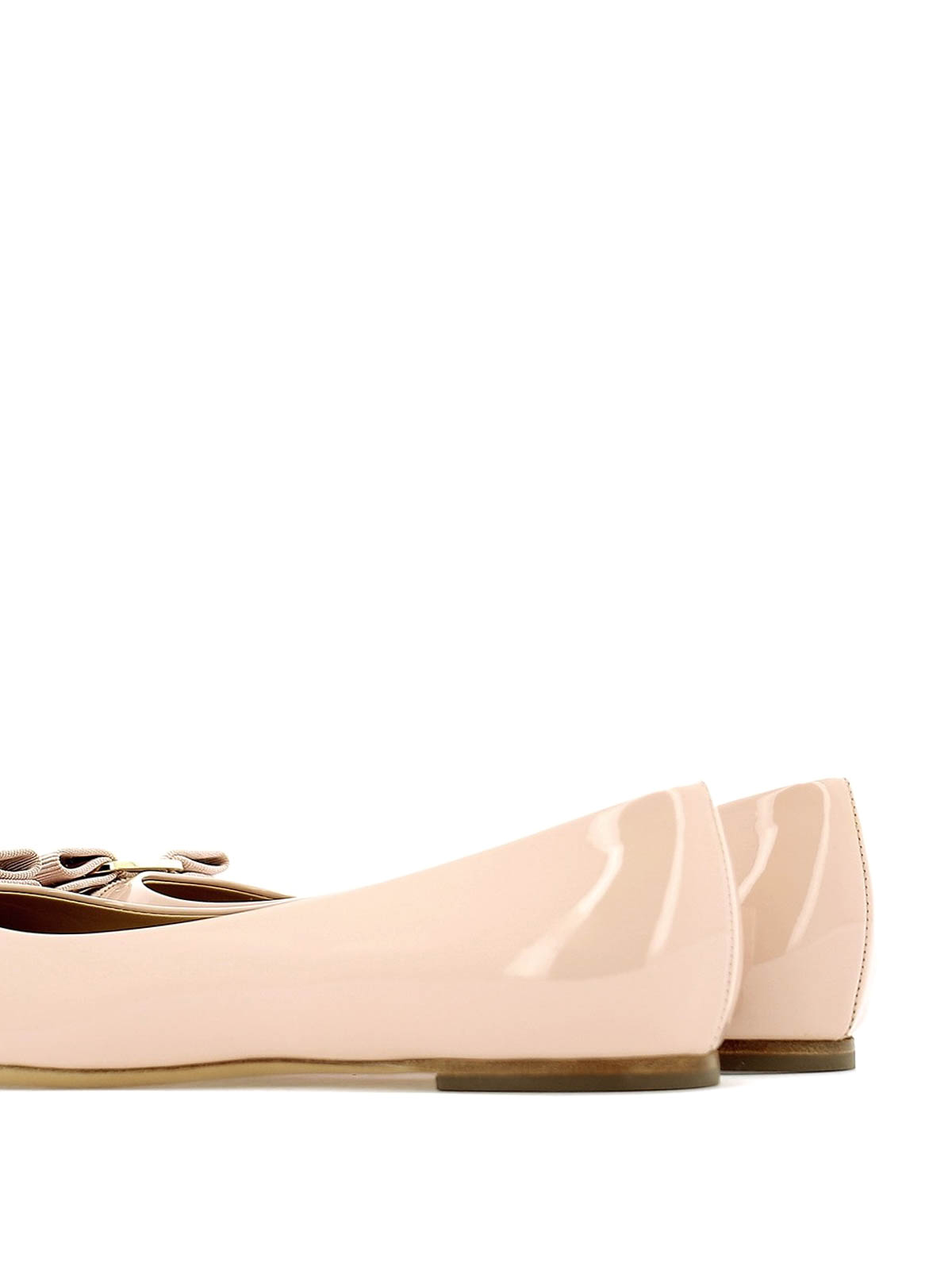 262ff82ec5ab8 iKRIX SALVATORE FERRAGAMO: flat shoes - Varina light pink patent leather  flat shoes