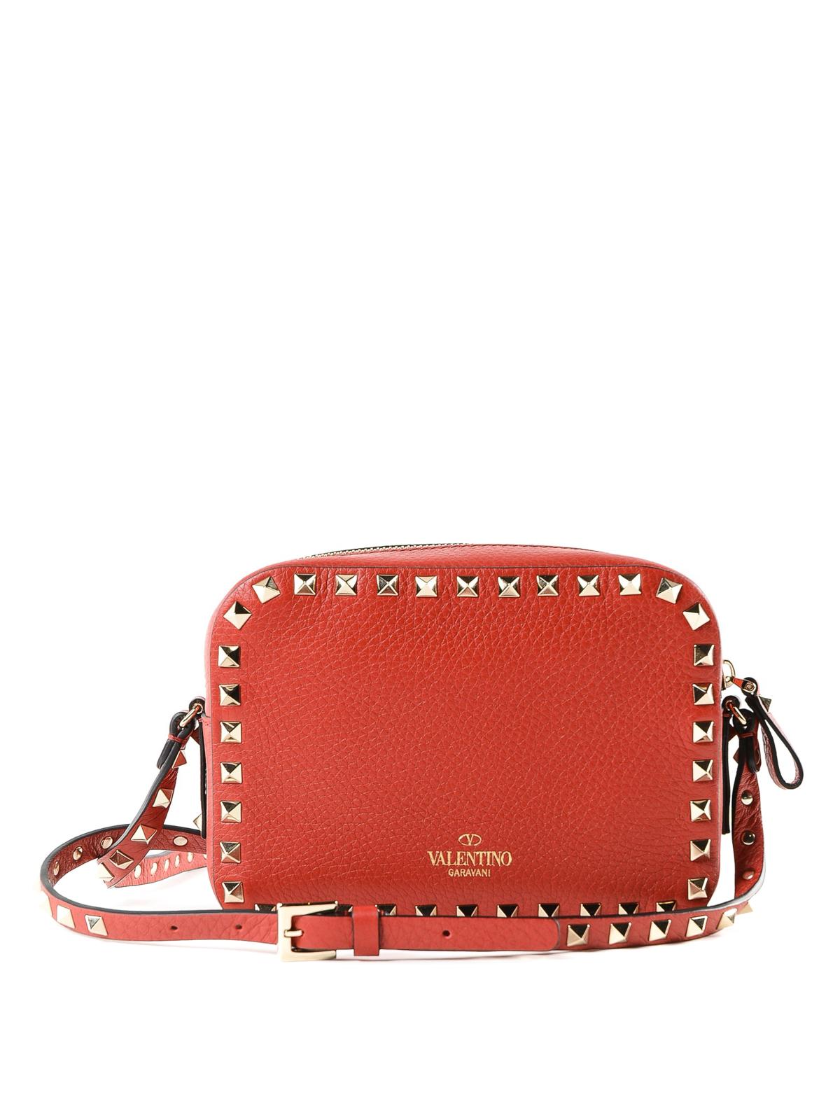 535330a52b5a iKRIX VALENTINO GARAVANI  shoulder bags - Red Rockstud leather camera bag