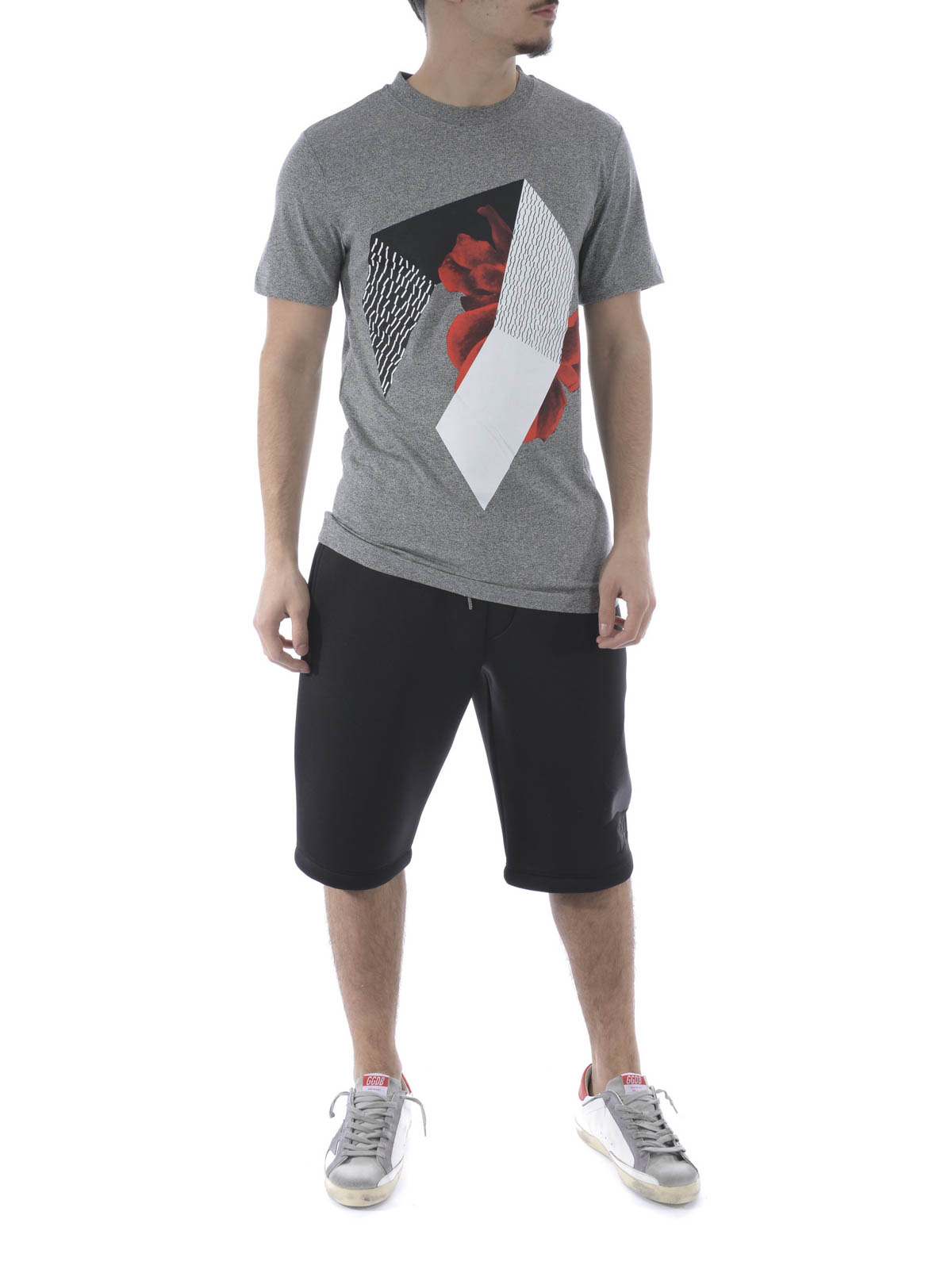 Geometric printed t shirt by mcq t shirts ikrix for Online printed t shirts