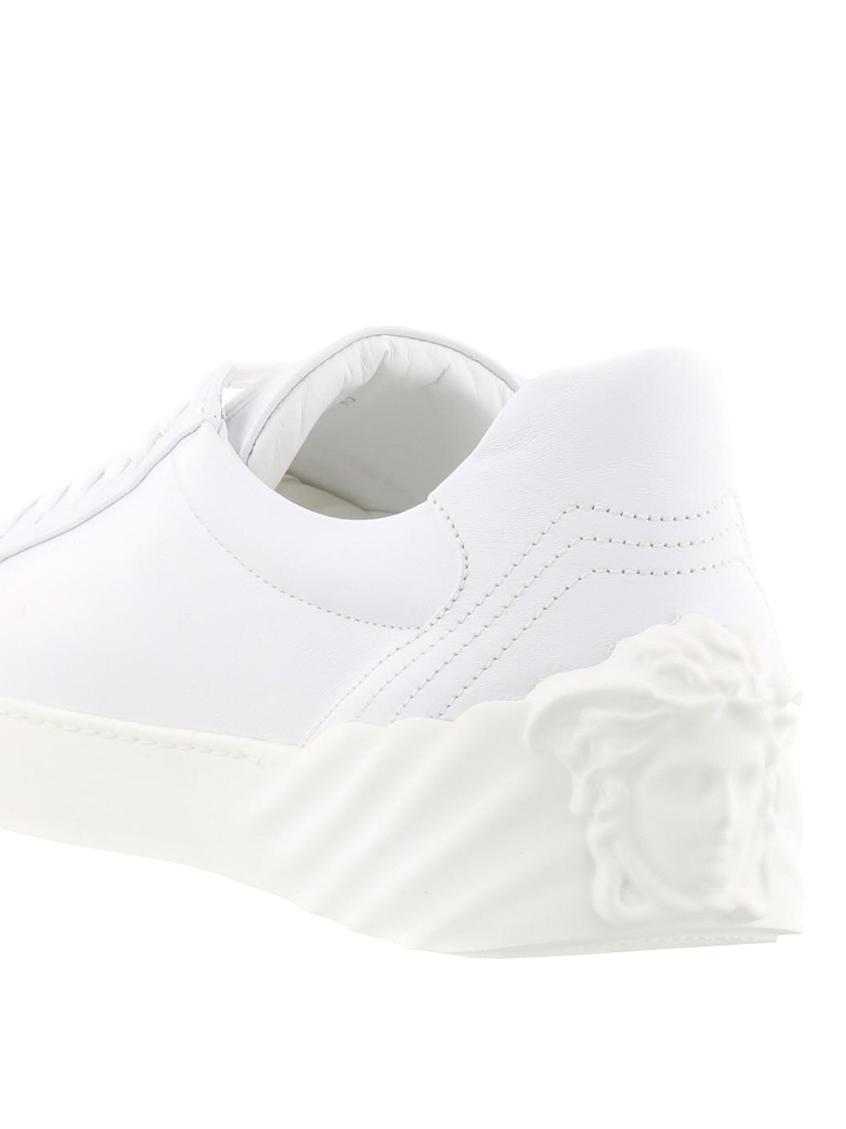 Versace - Sneaker bianche con Medusa Head - sneakers ...