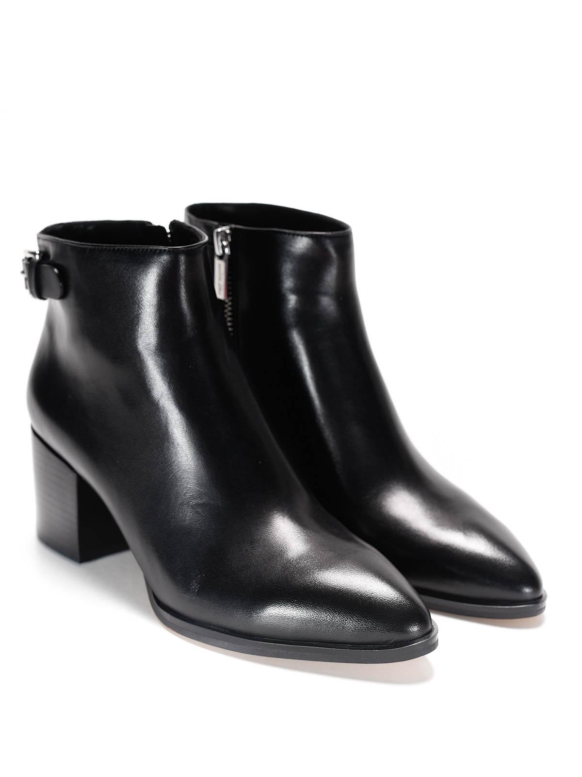 Michael Kors - Saylor leather ankle