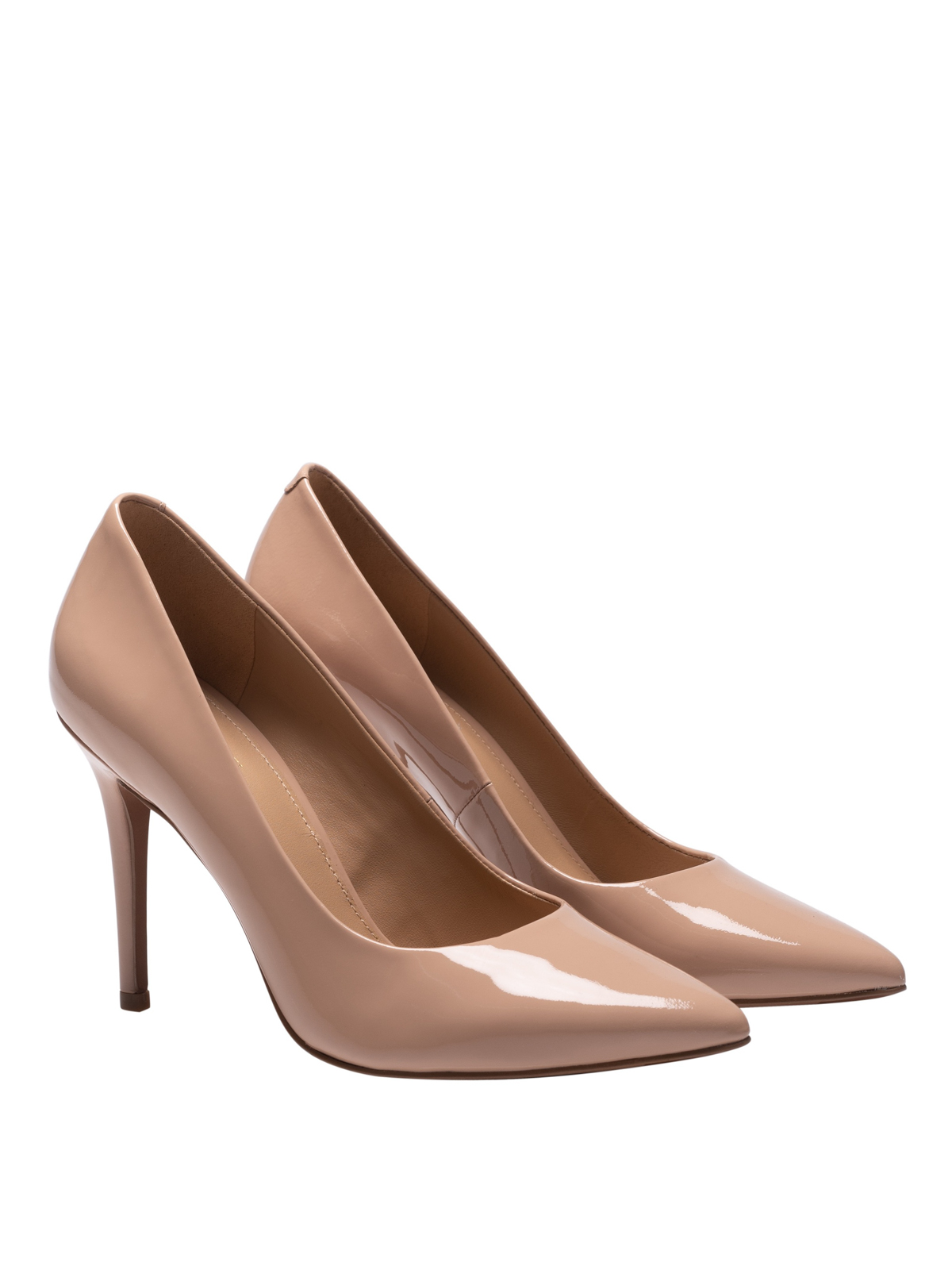 Claire nude patent leather pumps