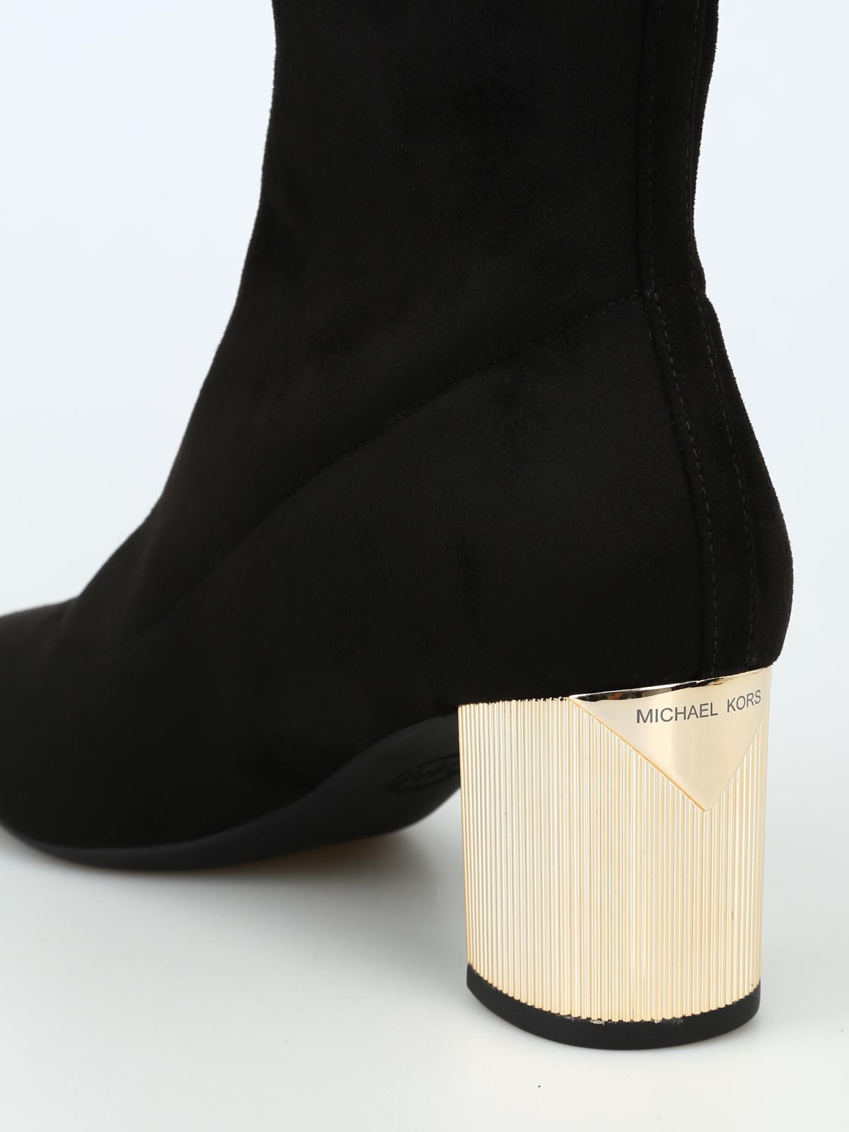 Paloma Flex mirrored heel stretch