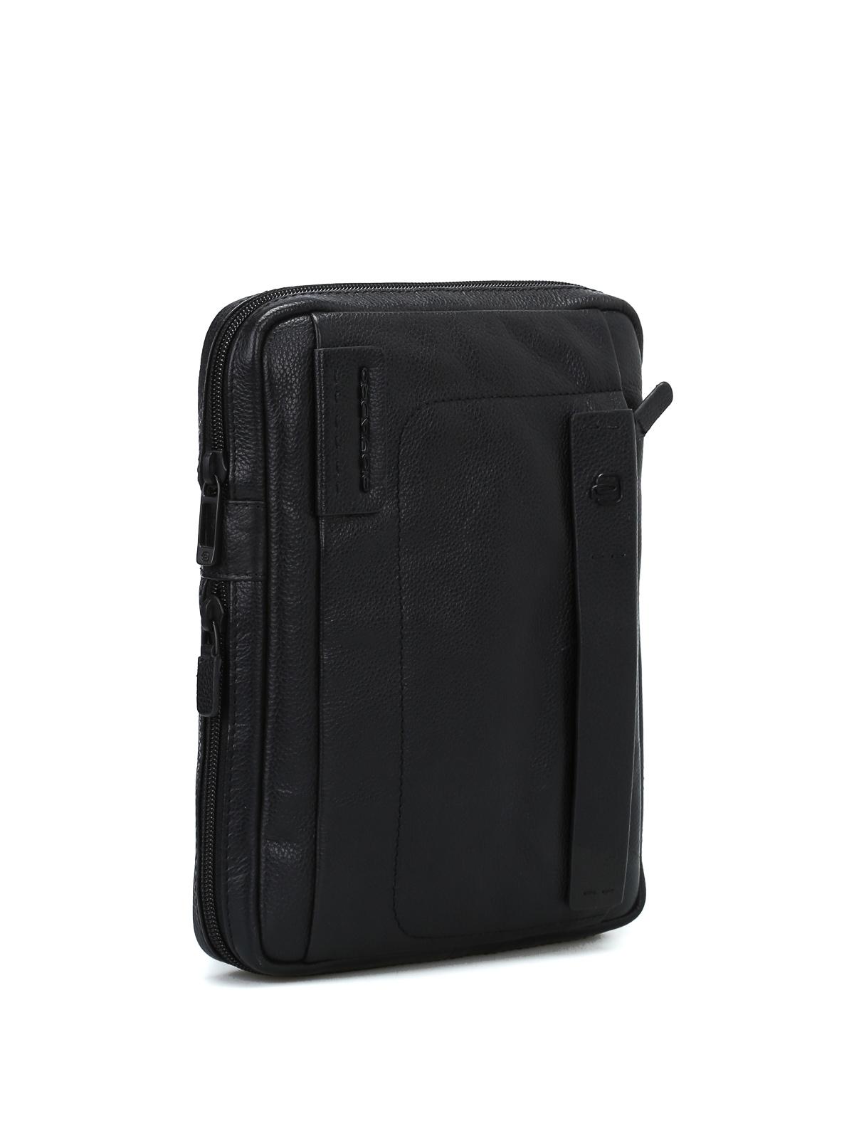 PIQUADRO  borse a tracolla online - Borsa a tracolla porta iPad nera f6e8d58b56c