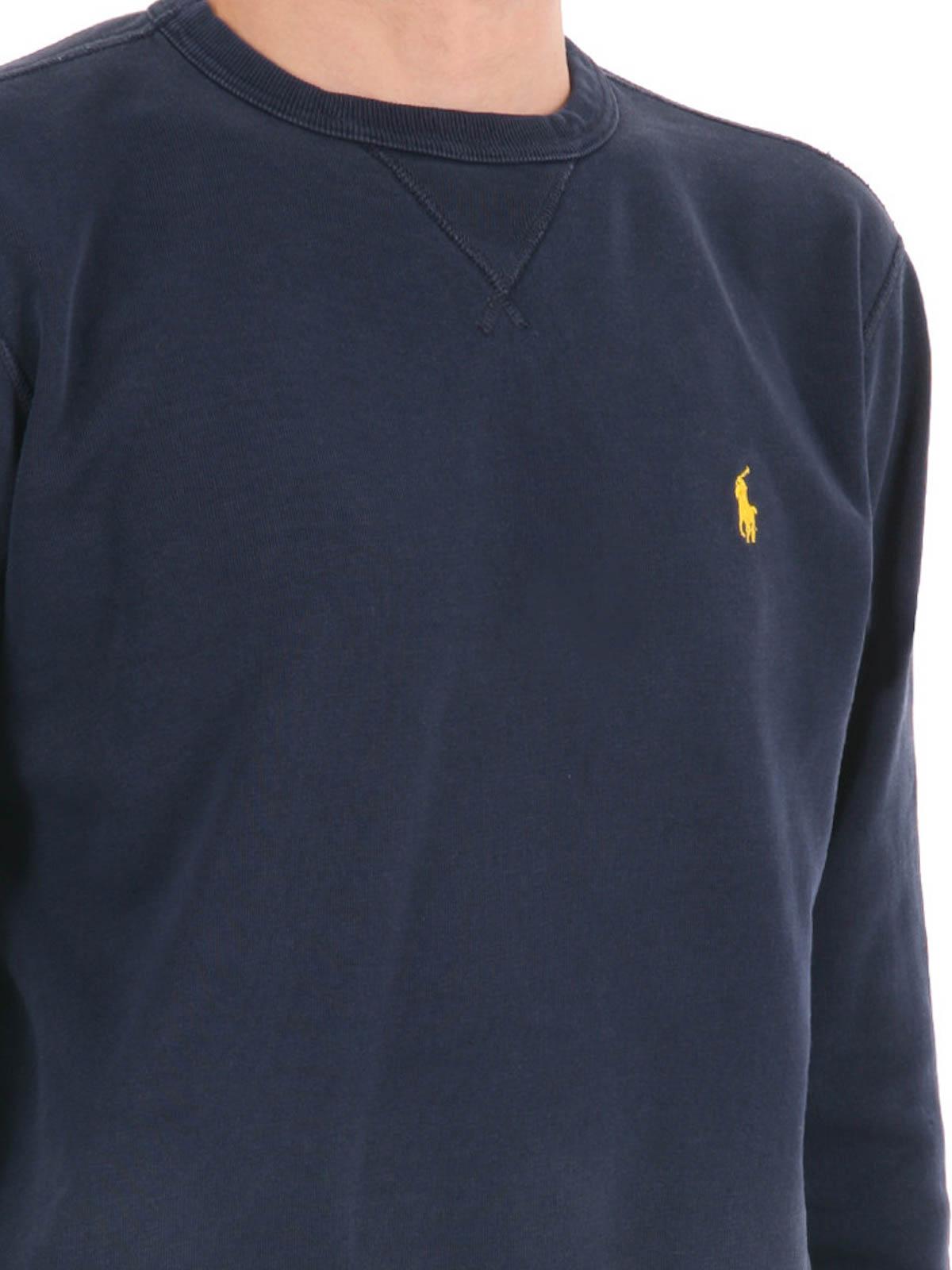 Buy Gildan Men's Fleece Crewneck Sweatshirt: Shop top fashion brands Sweatshirts at failvideo.ml FREE DELIVERY and Returns possible on eligible purchases/5(K).