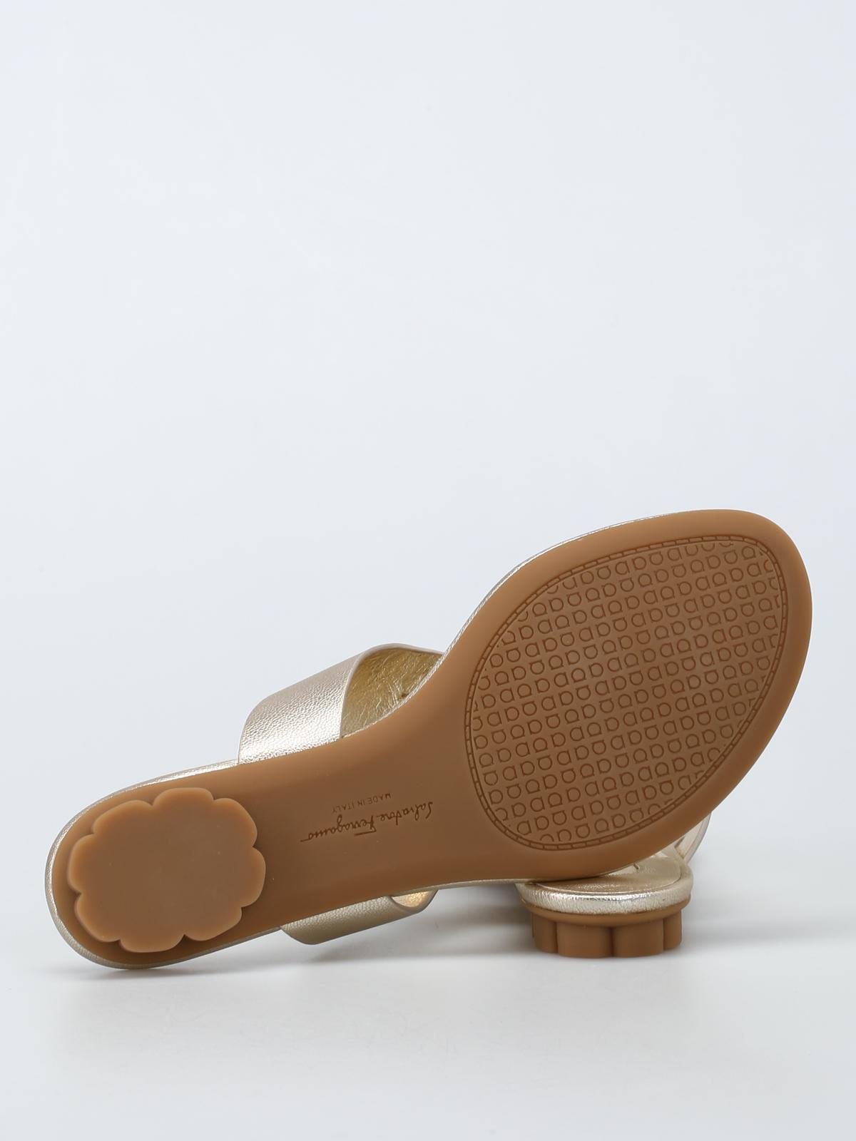 d0460a05d21 Salvatore Ferragamo - Enfola leather thong sandals - sandals ...
