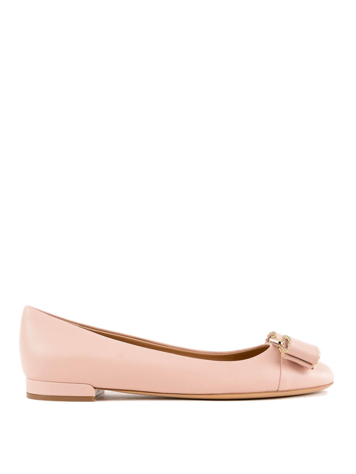 742a556e5da1c SALVATORE FERRAGAMO: flat shoes - Varina studded light pink ballerinas