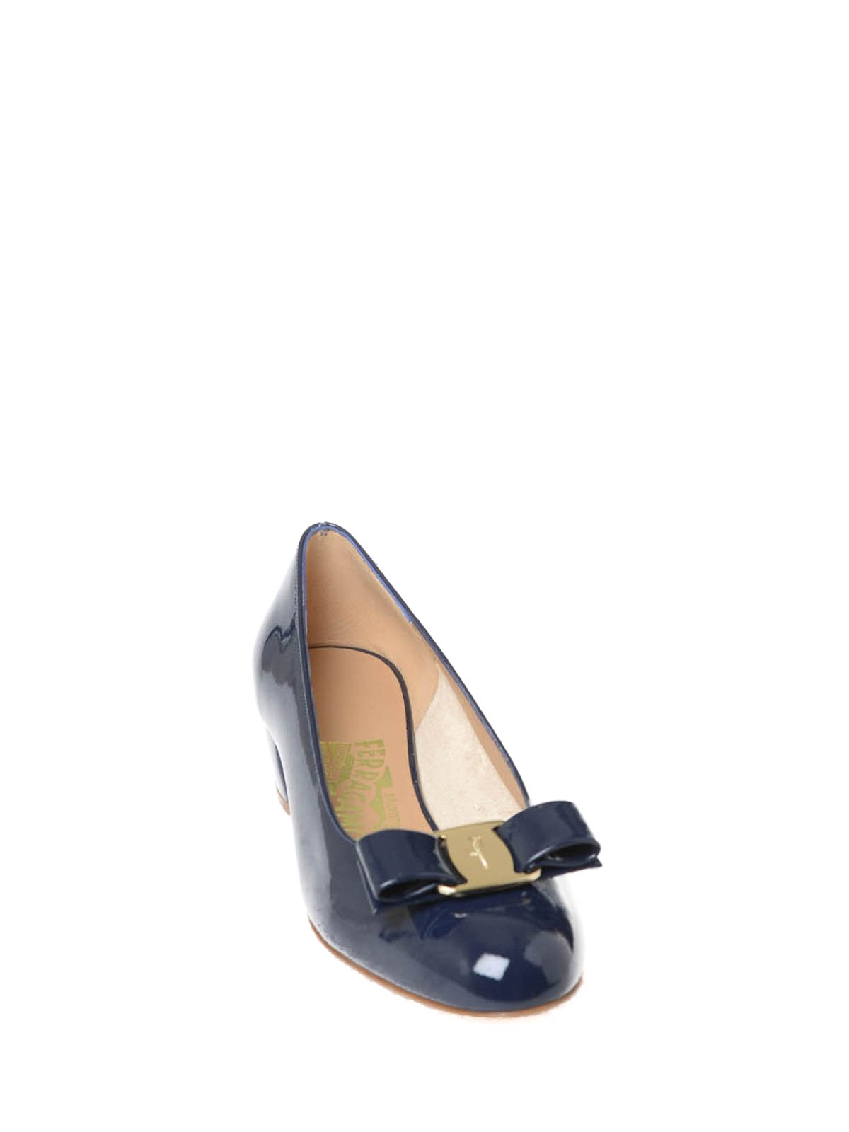 Vara patent leather court shoes