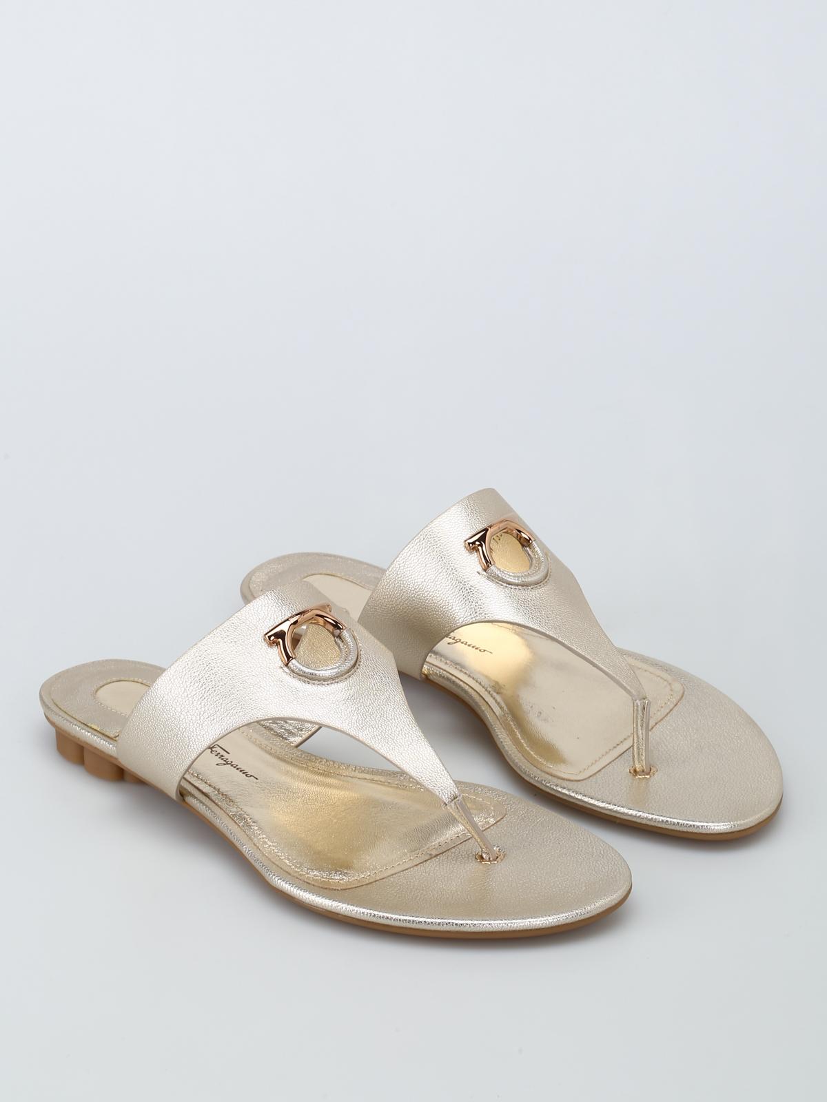 e50b91fdfe9 SALVATORE FERRAGAMO  sandals online - Enfola leather thong sandals