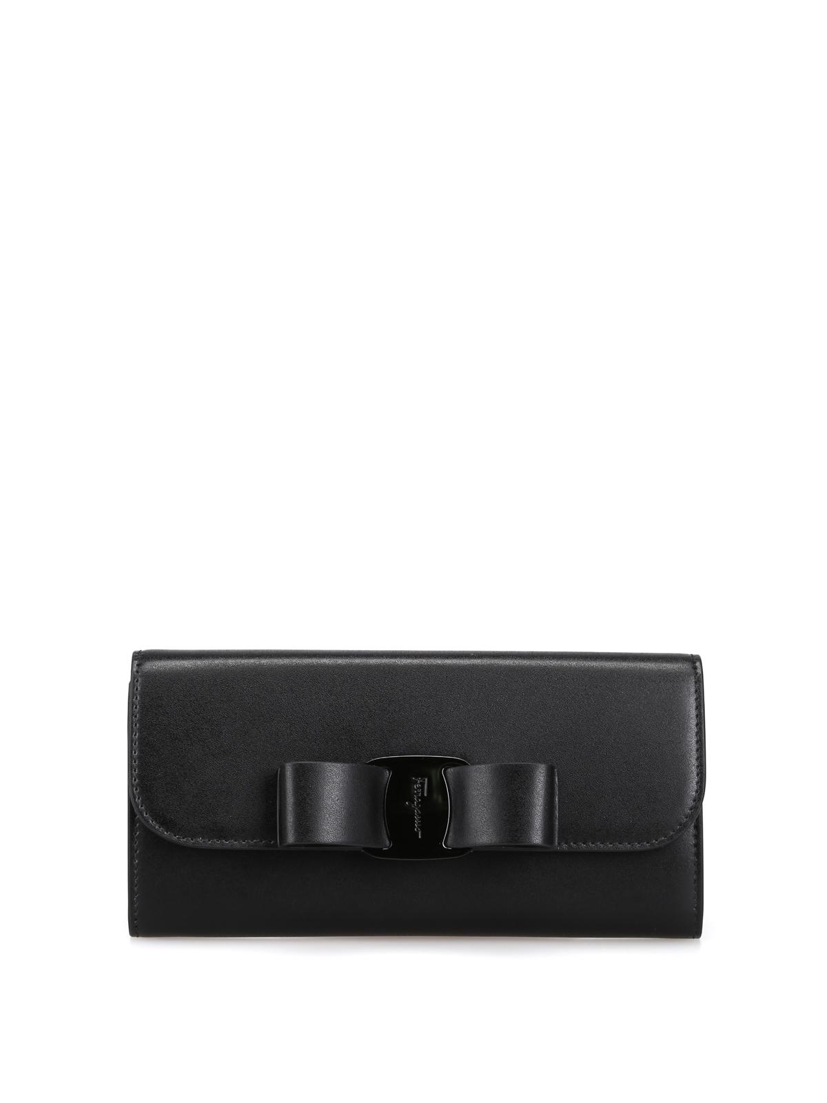 ca015eb477 SALVATORE FERRAGAMO: portafogli - Portafoglio continental nero con fiocco  Vara